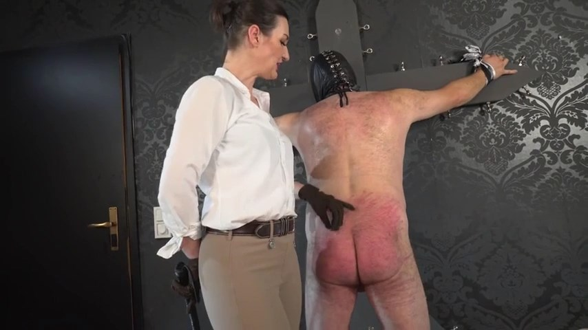 The Whipping Treatment - Chastisement Of The Slave's Butt - LADY VICTORIA VALENTE - SD/480p/MP4