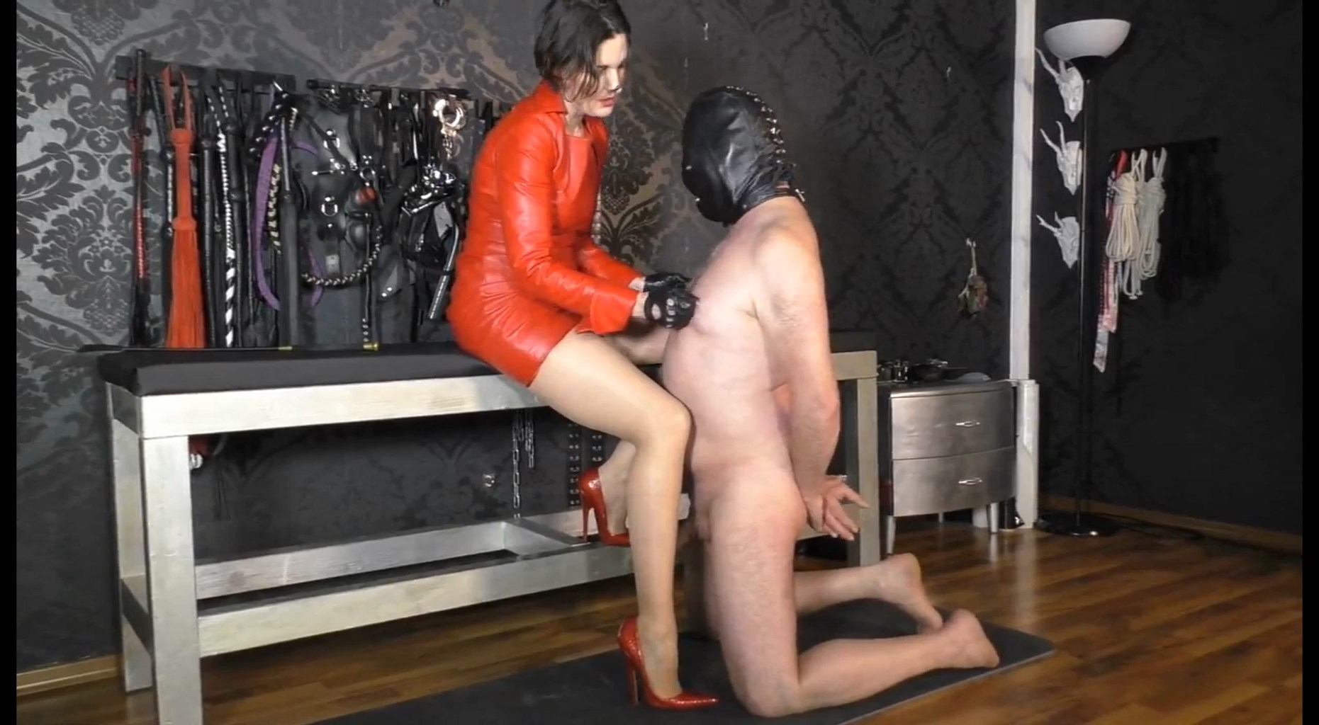 Exciting Training For Made In Red Leather Outfit And Extreme 6 Inch Heels - LADY VICTORIA VALENTE - HD/1024p/MP4