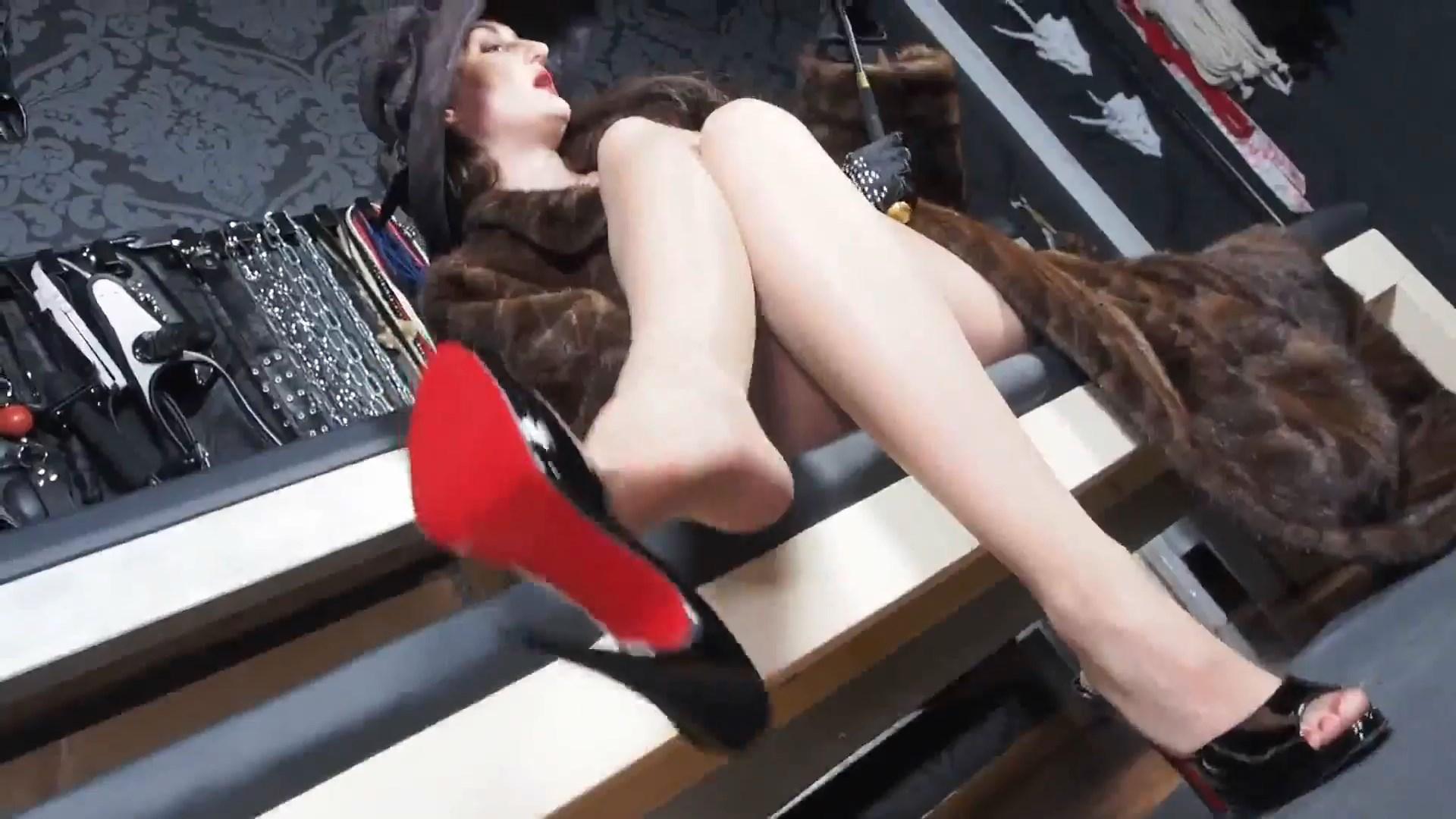 Horny Jerk Tasks Of Your Dangling Fur Mistress - LADY VICTORIA VALENTE - FULL HD/1080p/MP4