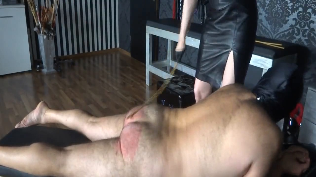 Caning My New Slave - Part 4 Caningslave - LADY VICTORIA VALENTE - HD/720p/MP4