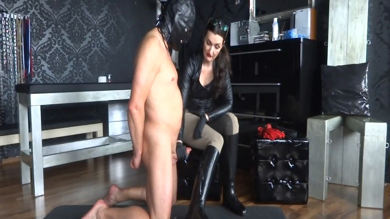 Long-Term Education Part 5 Cum On My Riding Boots And Whipping - LADY VICTORIA VALENTE - HD/720p/MP4
