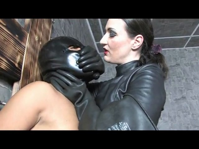 Handsmothering With Industrial Rubber Gloves - LADY VICTORIA VALENTE - SD/480p/MP4