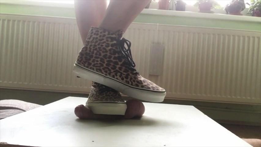Huge Feet Equal Maximum Pain - MISTRESS FATALIA - SD/480p/MP4
